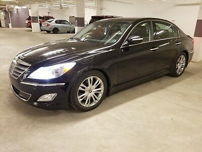 Hyundai: Genesis Tech REDUCED - ONE OWNER - 2012 GENESIS - FANTASIC
