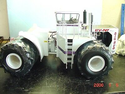 Precision Big Bud Tractor, Field Edition, 1/16, Diecast