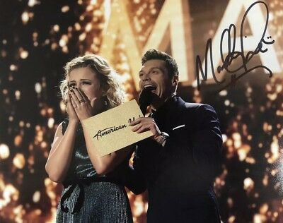 MADDIE POPPE SIGNED 8x10 PHOTO SINGER AUTOGRAPHED AMERICAN IDOL WINNER RARE