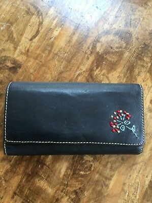 Womens Wallets/Black Leather Organizer Trifold Wallet