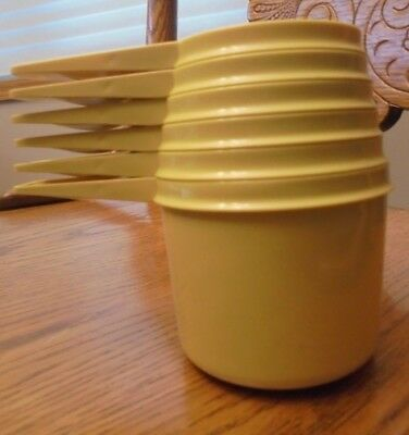 Vintage Tupperware Gold/Yellow Set of 6 Measuring Cups Excellent!!