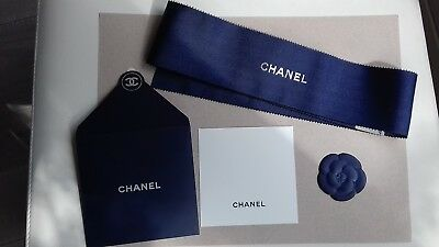 Lot  CHANEL  à parfumer  collection « marine »