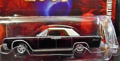 Johnny Lightning 61 1961 Lincoln Continental Holiday Christmas Tree Ornament Car