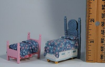 """2-pc LOT Vtg 1:24 Dollhouse Miniature BEDS 1/2"""" scale wood fabric bedding *"""