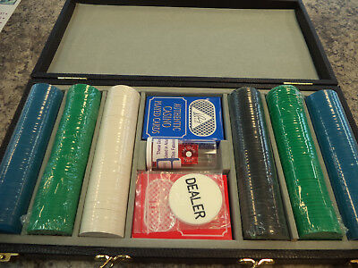 300 Vinyl Attache Chip Case with Poker Chips, Cards, Balance Dice & Dealer New!