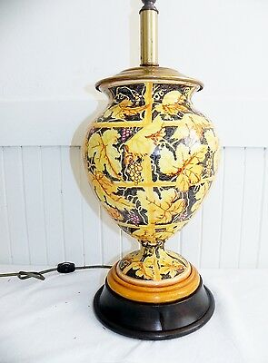 Vintage Hand Painted Yellow Ceramic Leaf Table Lamp 2 Bird Parrot Finial Brass