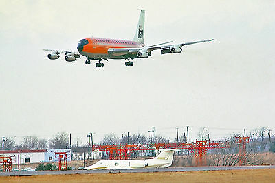 "Braniff Airways Boeing 720 ((8.5""x11"")) Print"