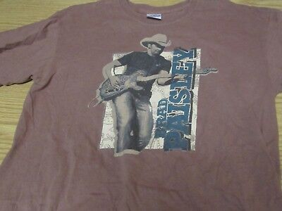 """Brad Paisley """"Hershey's Presents the Paisley Party Tour"""" T-Shirt Brown Size M"""