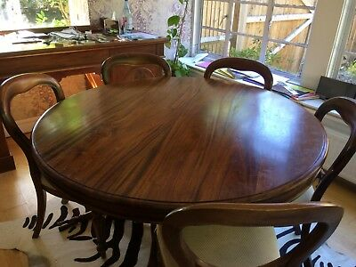Antique Mahogany Table & 6 Chairs In Good Condition