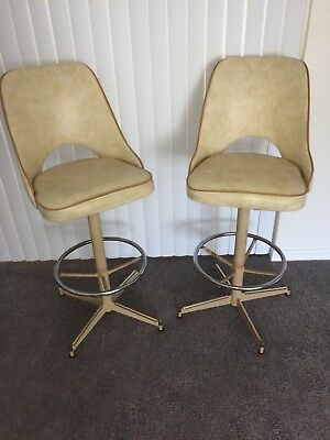 Incredible 2 Mid Century Modern Bar Stools Vintage 60S Retro Jetsons Dailytribune Chair Design For Home Dailytribuneorg