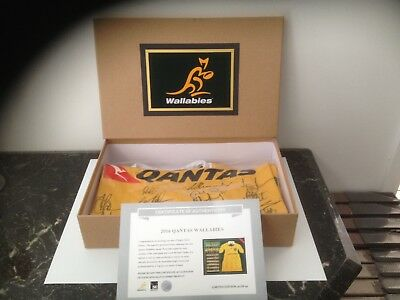 Australia Wallabies 2016 Team Signed Rugby Union Jersey In Display Box