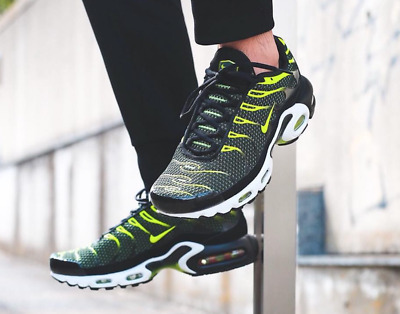 super popular 8e695 57b51 NIKE AIR MAX PLUS Tn Black and Volt MEN S SHOES PREMIUM LIFESTYLE COMFY  SNEAKERS