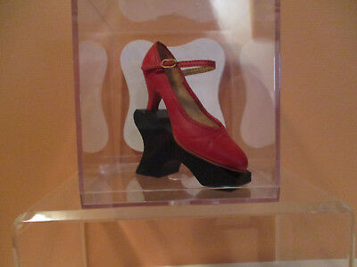 Just the Right Shoe Black Mini Shoe Stand w/ Clear Acrylic Case