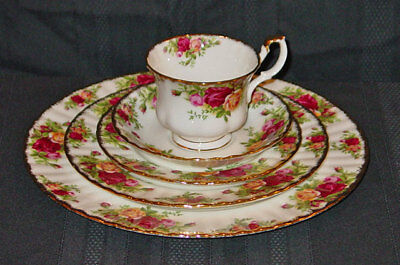 Royal Albert Bone China Old Country Roses Pattern 5 Piece Place Setting New