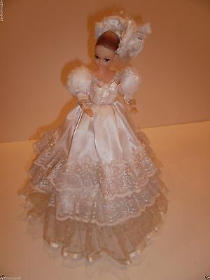 "Vintage Wind up 15"" tall doll rotating bride doll with music Pre-owned"