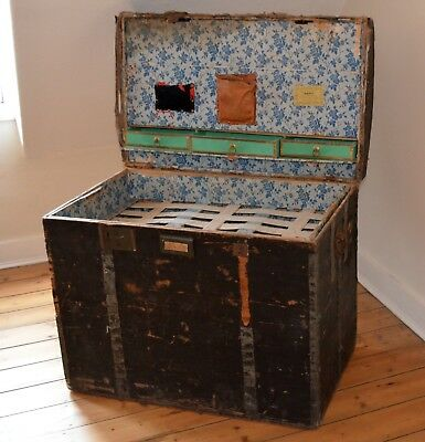 LARGE 19th CENTURY ANTIQUE FRENCH TRAVEL STEAMER TRUNK STORAGE CHEST DOME TOP