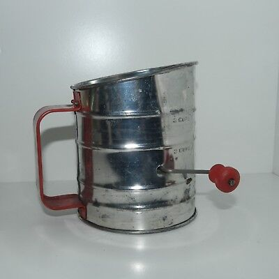 VTG 50s RETRO KITCHEN RED ALUMINUM FLOUR SUGAR SIFTER USA WOOD HANDLE 3 CUPS