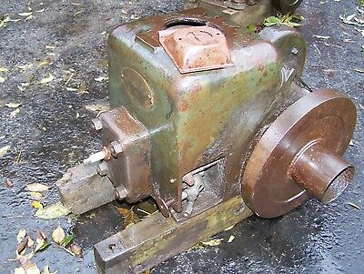 Old FAIRBANKS MORSE 1 1/2hp ZD Gas Engine Steam Tractor Motor Spark Plug Early