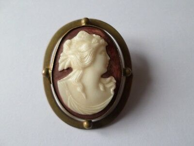 Small antique Victorian or Edwardian GLASS cameo brooch