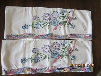 PAIR of VINTAGE PILLOWCASES with EMBROIDERY & CROCHETED EDGE ~ FLORAL BOUQUET