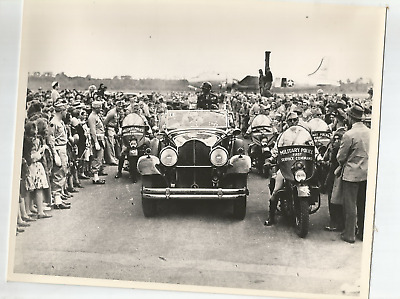 PHOTO- GENERAL GEORGE S. PATTON SURROUNDED BY MILITARY POLICE AND CROWD- 8x10