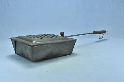 Antique HANDLED METAL BASKET POPCORN POPPER OUTDOOR CAMPING FIREPLACE OLD #05340