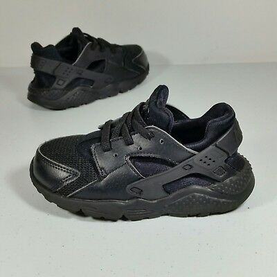 size 40 74af4 32f5b Nike Huarache Run Youth Athletic Running Sneaker Shoes Triple Black Size 10C