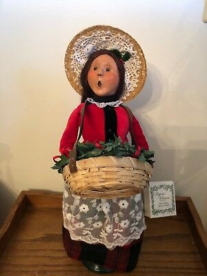 Byers Choice CRIES OF LONDON Woman Crier w/ Holly Basket 2012 Signed