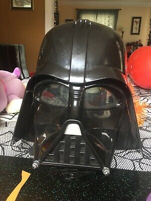 2014 Star Wars Darth Vader Electronic Voice Changing Helmet Mask Hasbro