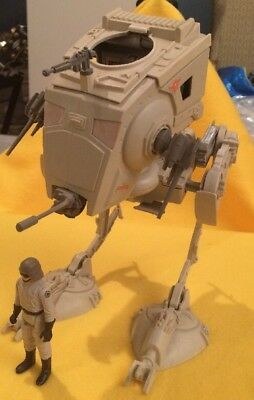 Starwars AT-ST Walker (Kenner/Hasbro) with Vintage AT-ST driver (both loose)