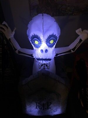 animated Skeleton/ghost in Tombstone Halloween Inflatable Gemmy