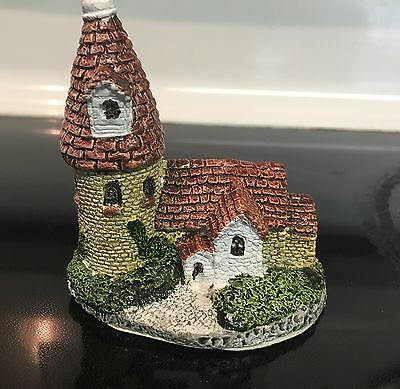 """1987 Museum Collections Cornwall Cottage Series """"Kent Cottage And Kiln"""" BH02"""