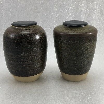"""Z62  Set Of 2 Japanese Pottery Tea Caddy  Artist Signed 3"""" Tall"""