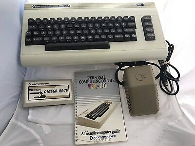 Commodore VIC 20 computer with game & manual