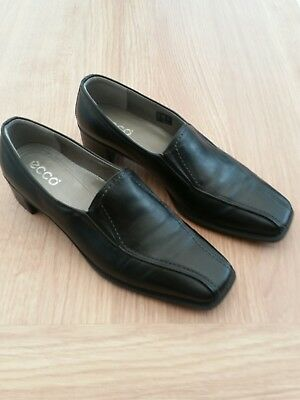 Ecco Ladies Black Leather Shoes - Low Heel - Size 6 (39) - Worn Once