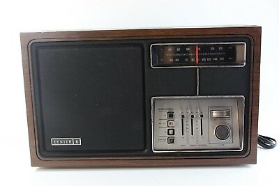 Vintage Zenith Radio Model H430W. The Wood Case Is In Rough Condition Works