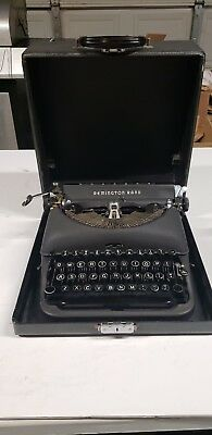 Remington Rand De Luxe Model 5 Vintage Antique Collectible Typewriter W/case