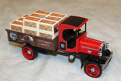 Victor Victrola Phonograph rare Diecast toy Truck bank RCA Nipper Dog