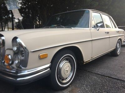 1971 Mercedes-Benz 200-Series  Mercedes 280SE