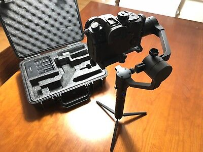 MOZA AirCross 3-Axis Handheld Gimbal Stabilizer (Immaculate Condition)