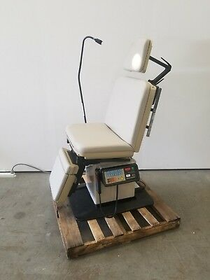 Midmark 411 Programmable Power Exam Chair / Table with Hand Control 6461