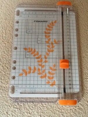 Fiskars Portable SureCut  A5/A4 Paper/Card Trimmer Cutter