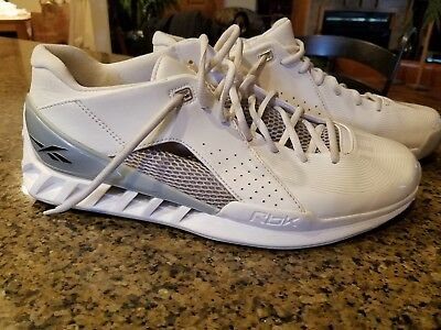 f04e6362bb85 Men s Size 12 Reebok Rare Hard To Find Athletic Gym Shoes RBK Basketball  LQQK