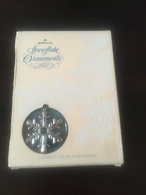 1977 Hallmark Christmas Snowflake Ornaments Set of 4 Collection Chrome Plated