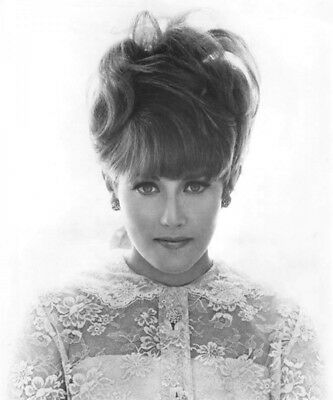 Lesley Gore UNSIGNED photograph - M6709 - American singer - NEW IMAGE!!!