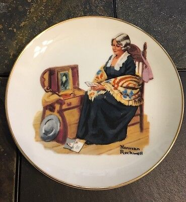 Vintage Norman Rockwell Memories 1984 Collectible Ceramic Gold Trimmed plate