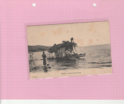 Rare Cpa Tahiti Pirogue Double Ornee (Voir Commentaire)