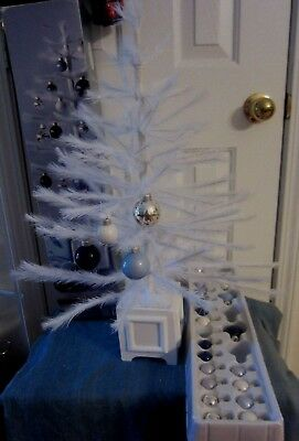 """IN BOX -  Martha Stewart 24"""" WHITE Feather Christmas Tree 24 Bulbs Included"""