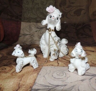 Vintage White Spaghetti Poodle - Momma and Two Puppies