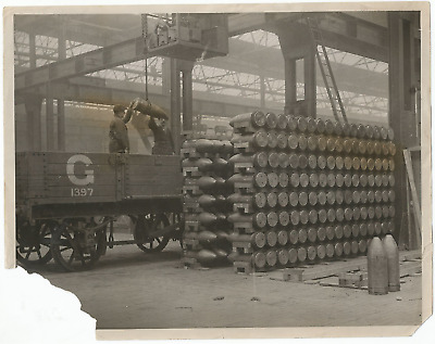 Ww1 Press Photo- Scene In Munition Works- Ammunition By Train To Trenches